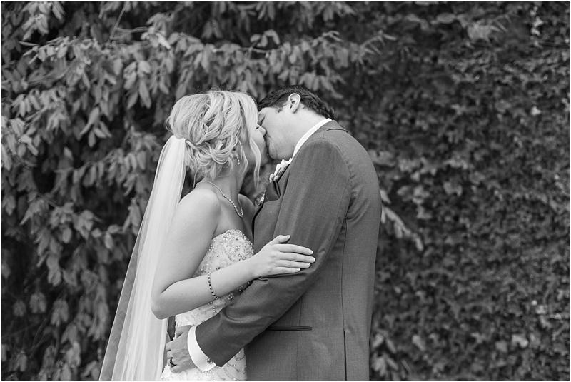 timeless-grosse-pointe-academy-wedding-photos-in-grosse-pointe-mi-by-courtney-carolyn-photography_0069.jpg