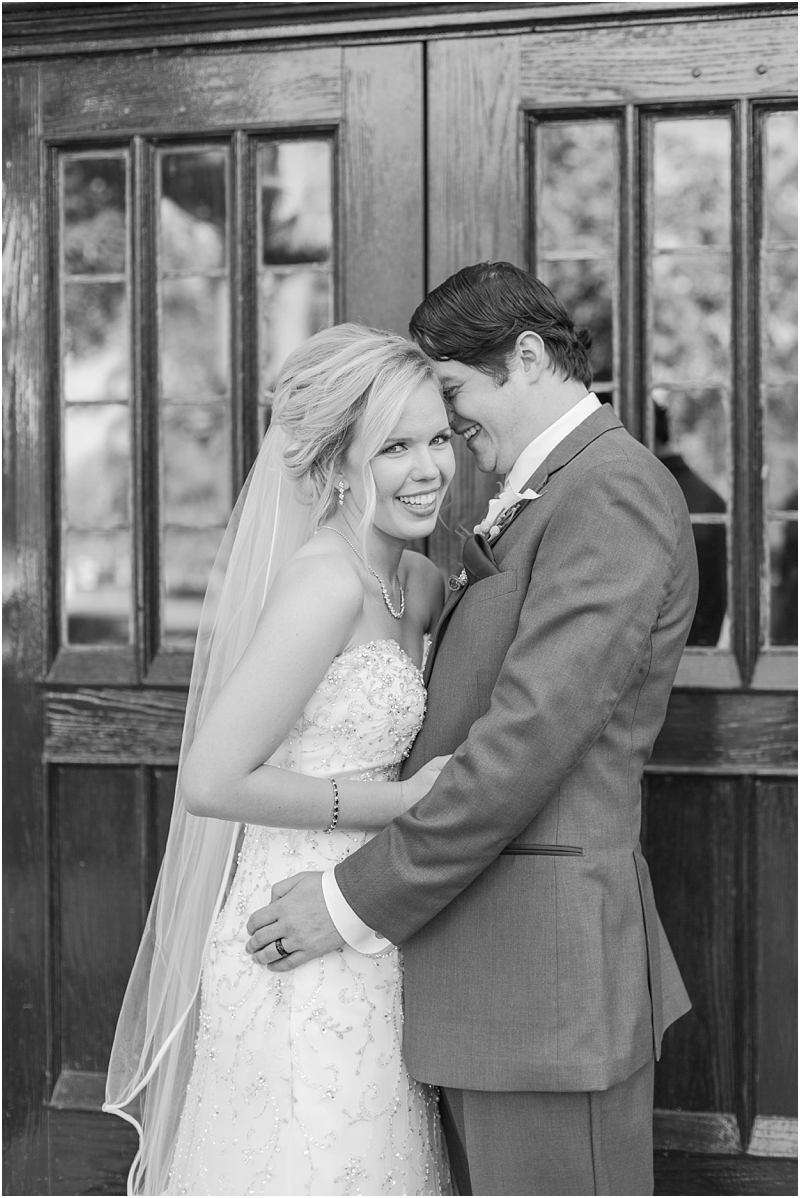 timeless-grosse-pointe-academy-wedding-photos-in-grosse-pointe-mi-by-courtney-carolyn-photography_0068.jpg