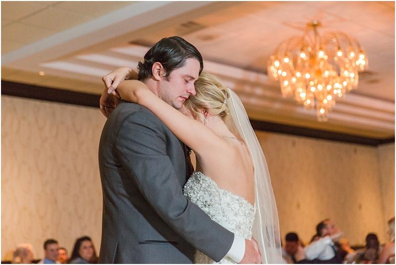 timeless-grosse-pointe-academy-wedding-photos-in-grosse-pointe-mi-by-courtney-carolyn-photography_0077.jpg