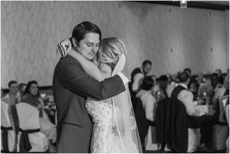 timeless-grosse-pointe-academy-wedding-photos-in-grosse-pointe-mi-by-courtney-carolyn-photography_0079.jpg