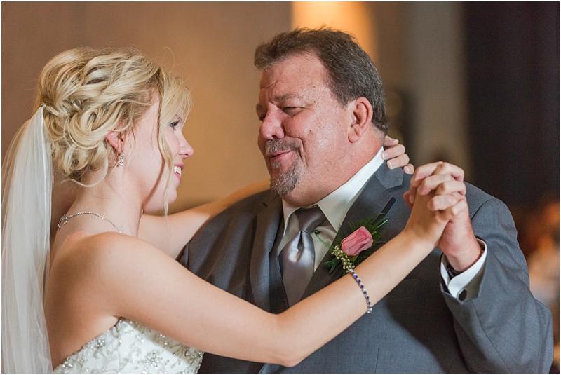 timeless-grosse-pointe-academy-wedding-photos-in-grosse-pointe-mi-by-courtney-carolyn-photography_0081.jpg