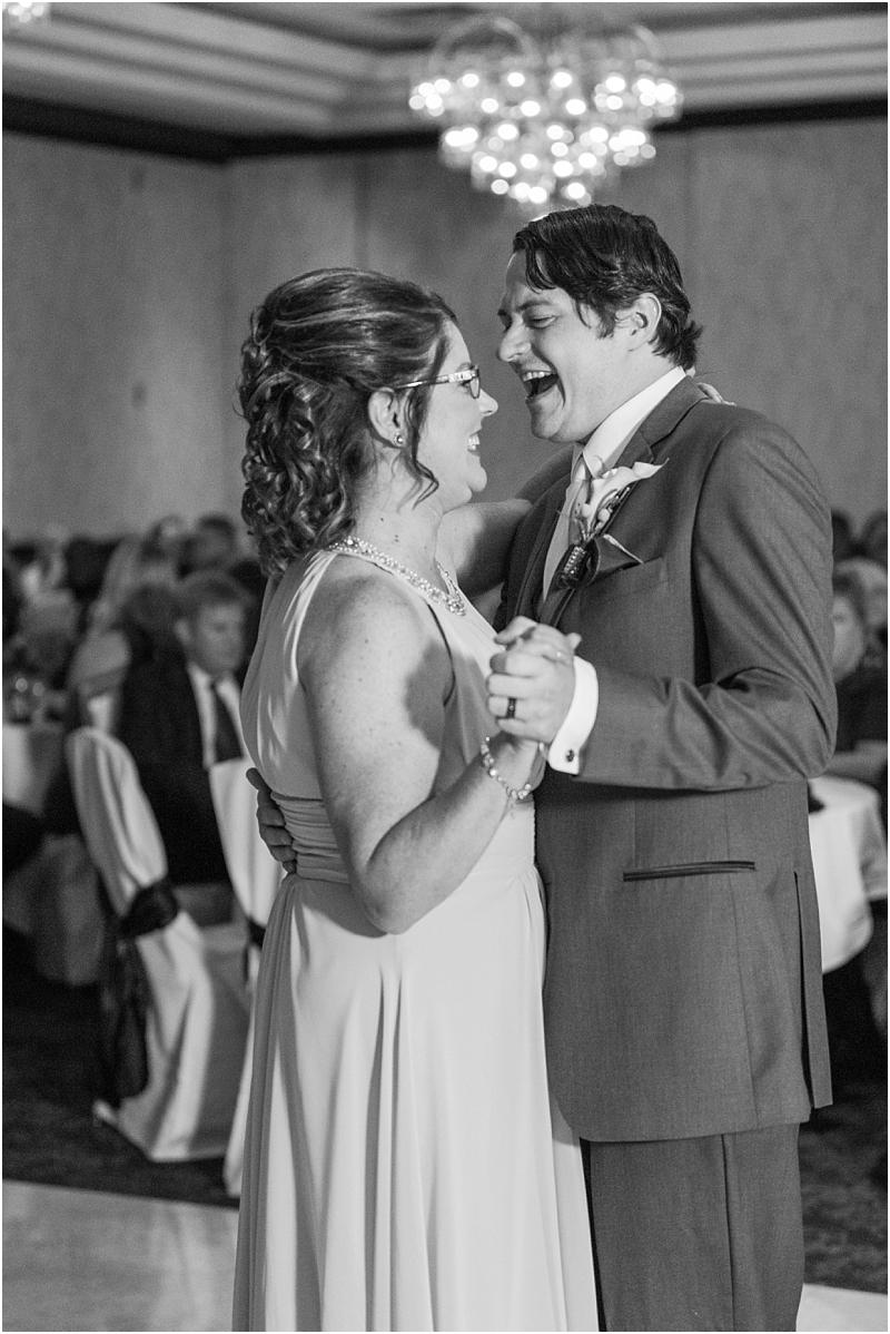 timeless-grosse-pointe-academy-wedding-photos-in-grosse-pointe-mi-by-courtney-carolyn-photography_0084.jpg