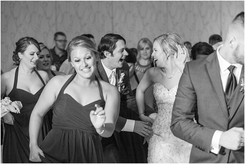 timeless-grosse-pointe-academy-wedding-photos-in-grosse-pointe-mi-by-courtney-carolyn-photography_0089.jpg