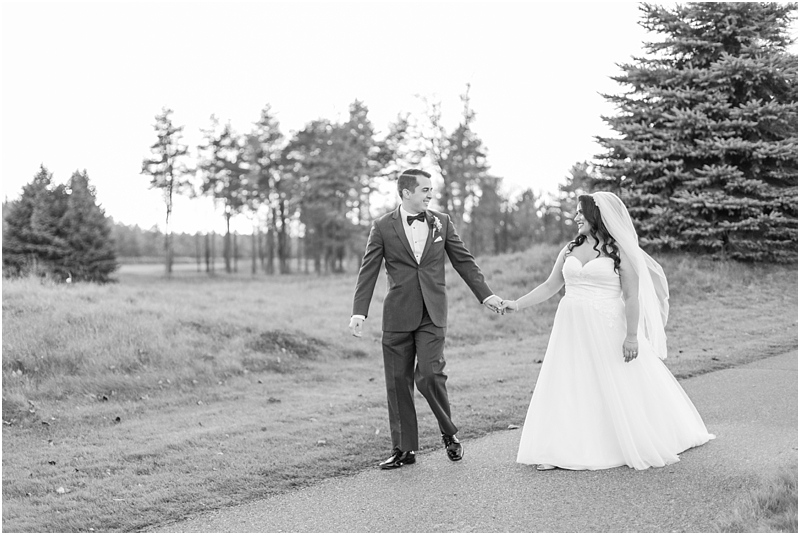 fall-port-huron-mi-wedding-photos-at-solitude-links-golf-course-by-courtney-carolyn-photography_0090.jpg