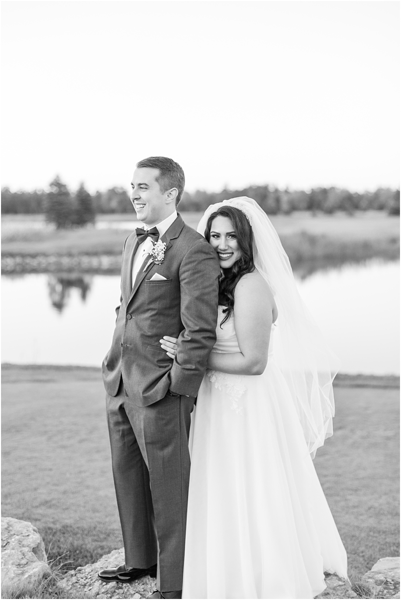 fall-port-huron-mi-wedding-photos-at-solitude-links-golf-course-by-courtney-carolyn-photography_0092.jpg
