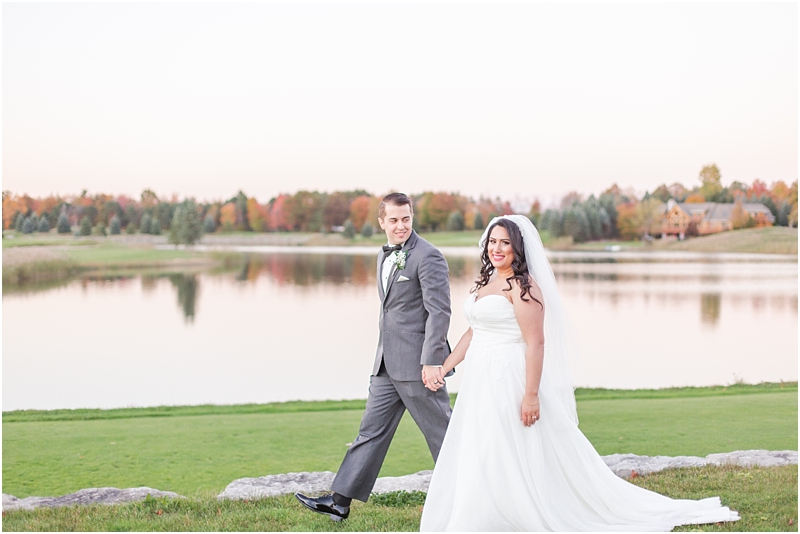 fall-port-huron-mi-wedding-photos-at-solitude-links-golf-course-by-courtney-carolyn-photography_0109.jpg