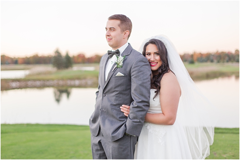 fall-port-huron-mi-wedding-photos-at-solitude-links-golf-course-by-courtney-carolyn-photography_0116.jpg