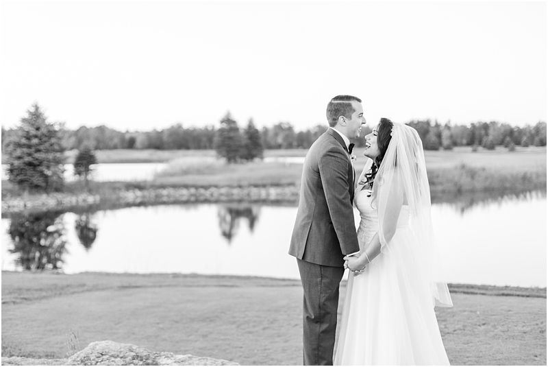 fall-port-huron-mi-wedding-photos-at-solitude-links-golf-course-by-courtney-carolyn-photography_0119.jpg