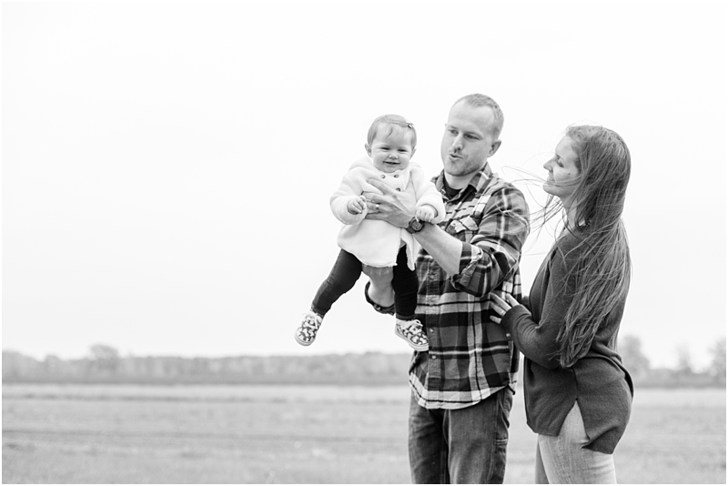 fall-fine-art-lifestyle-family-portraits-in-monroe-mi-by-courtney-carolyn-photography_0016.jpg