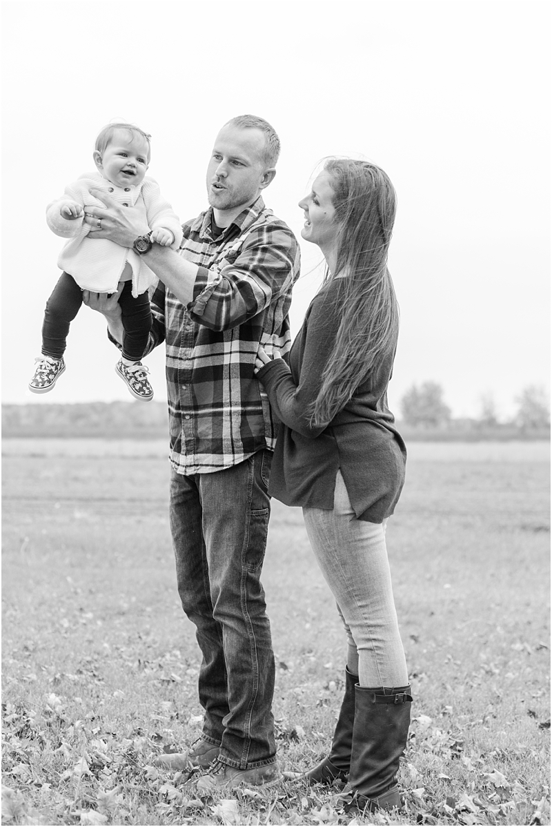fall-fine-art-lifestyle-family-portraits-in-monroe-mi-by-courtney-carolyn-photography_0025.jpg