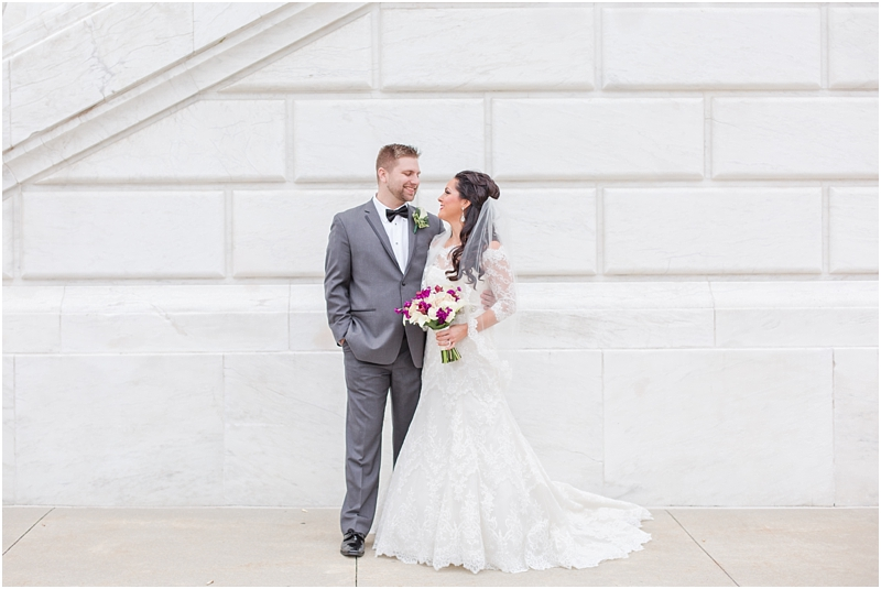 elegant-classic-wedding-photos-in-detroit-mi-at-the-colony-club-detroit-institute-of-arts-the-most-blessed-sacrament-by-courtney-carolyn-photography_0046.jpg