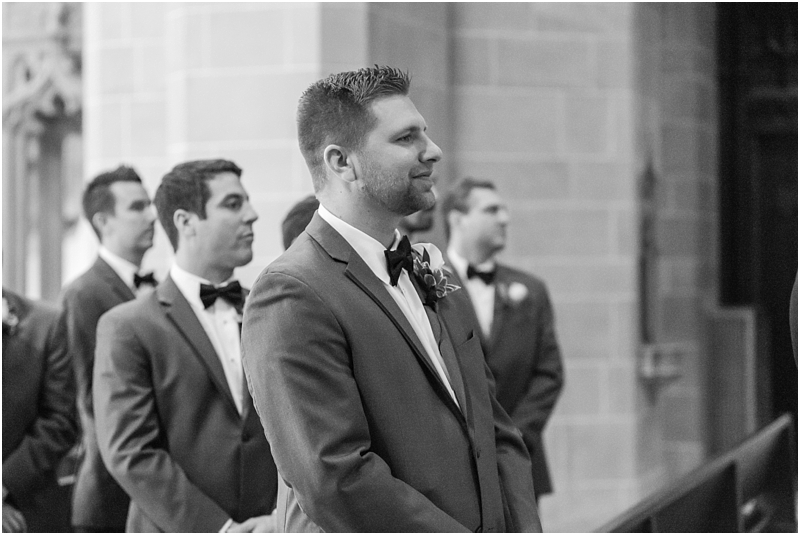 elegant-classic-wedding-photos-in-detroit-mi-at-the-colony-club-detroit-institute-of-arts-the-most-blessed-sacrament-by-courtney-carolyn-photography_0087.jpg