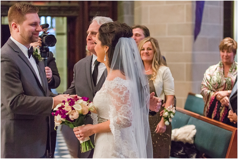elegant-classic-wedding-photos-in-detroit-mi-at-the-colony-club-detroit-institute-of-arts-the-most-blessed-sacrament-by-courtney-carolyn-photography_0094.jpg