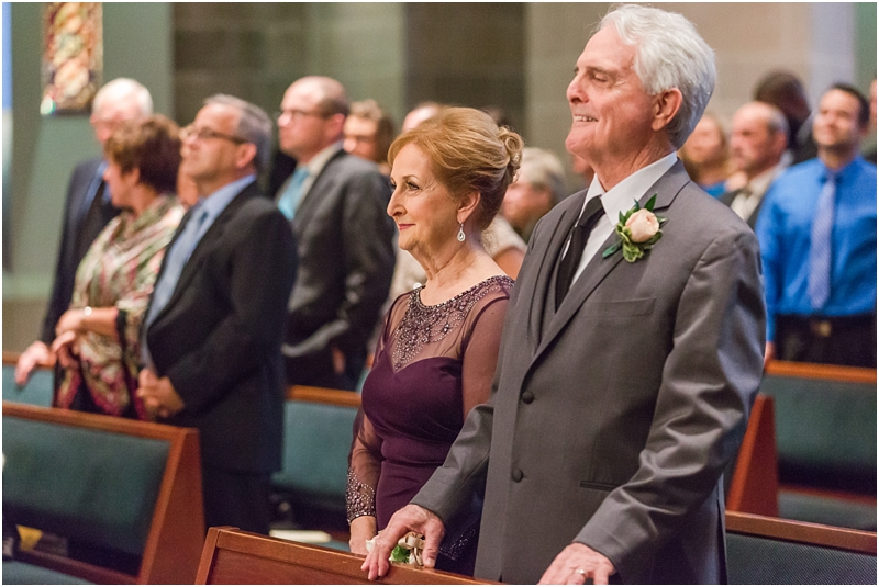 elegant-classic-wedding-photos-in-detroit-mi-at-the-colony-club-detroit-institute-of-arts-the-most-blessed-sacrament-by-courtney-carolyn-photography_0099.jpg