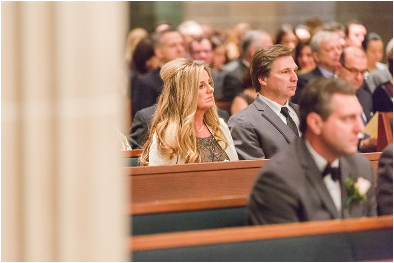 elegant-classic-wedding-photos-in-detroit-mi-at-the-colony-club-detroit-institute-of-arts-the-most-blessed-sacrament-by-courtney-carolyn-photography_0101.jpg