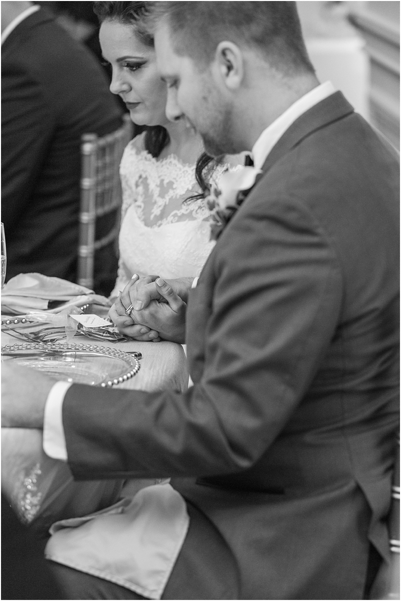 elegant-classic-wedding-photos-in-detroit-mi-at-the-colony-club-detroit-institute-of-arts-the-most-blessed-sacrament-by-courtney-carolyn-photography_0128.jpg