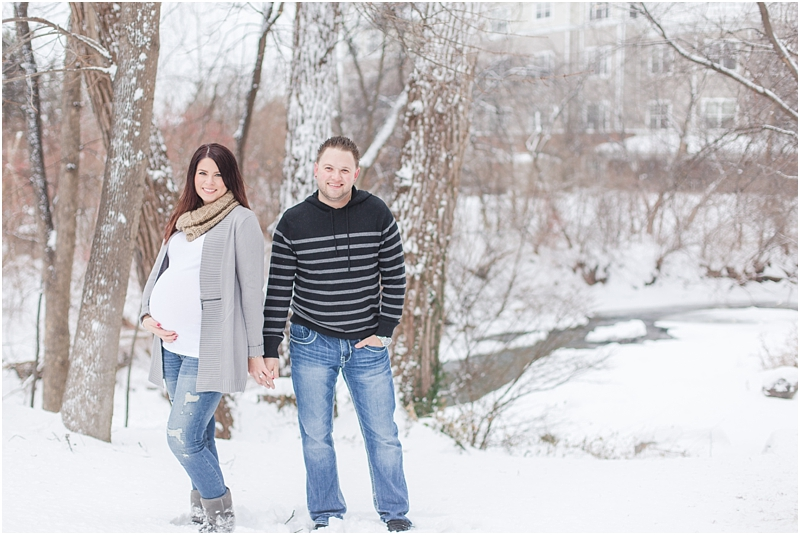 winter-maternity-portraits-in-rochester-mi-at-the-royal-park-hotel-by-courtney-carolyn-photography_0017.jpg