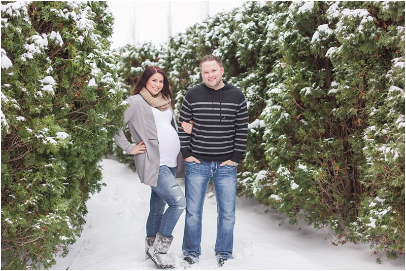 winter-maternity-portraits-in-rochester-mi-at-the-royal-park-hotel-by-courtney-carolyn-photography_0026.jpg
