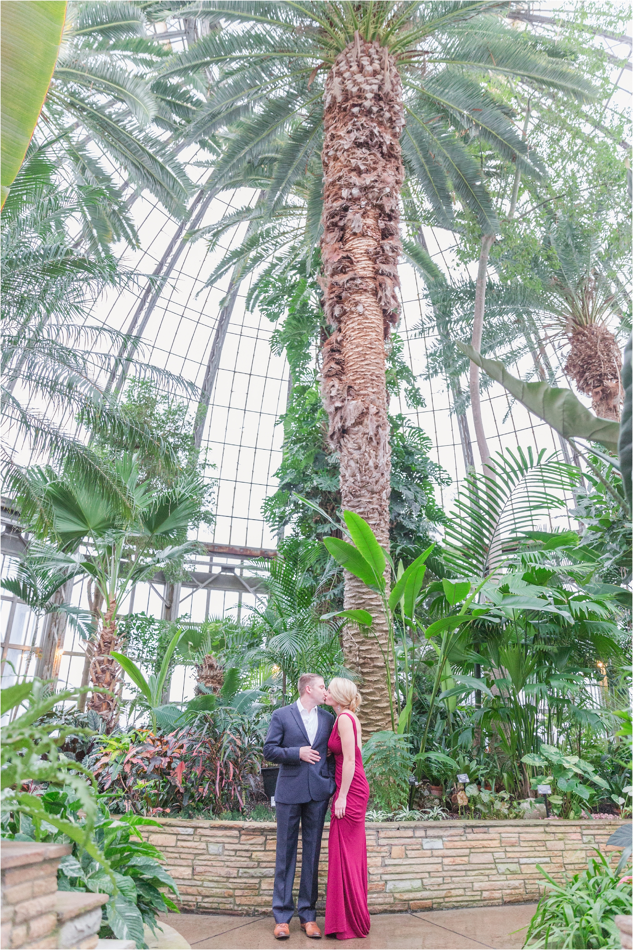 elegant-classic-belle-isle-conservatory-engagement-photos-in-detroit-mi-by-courtney-carolyn-photography_0008.jpg