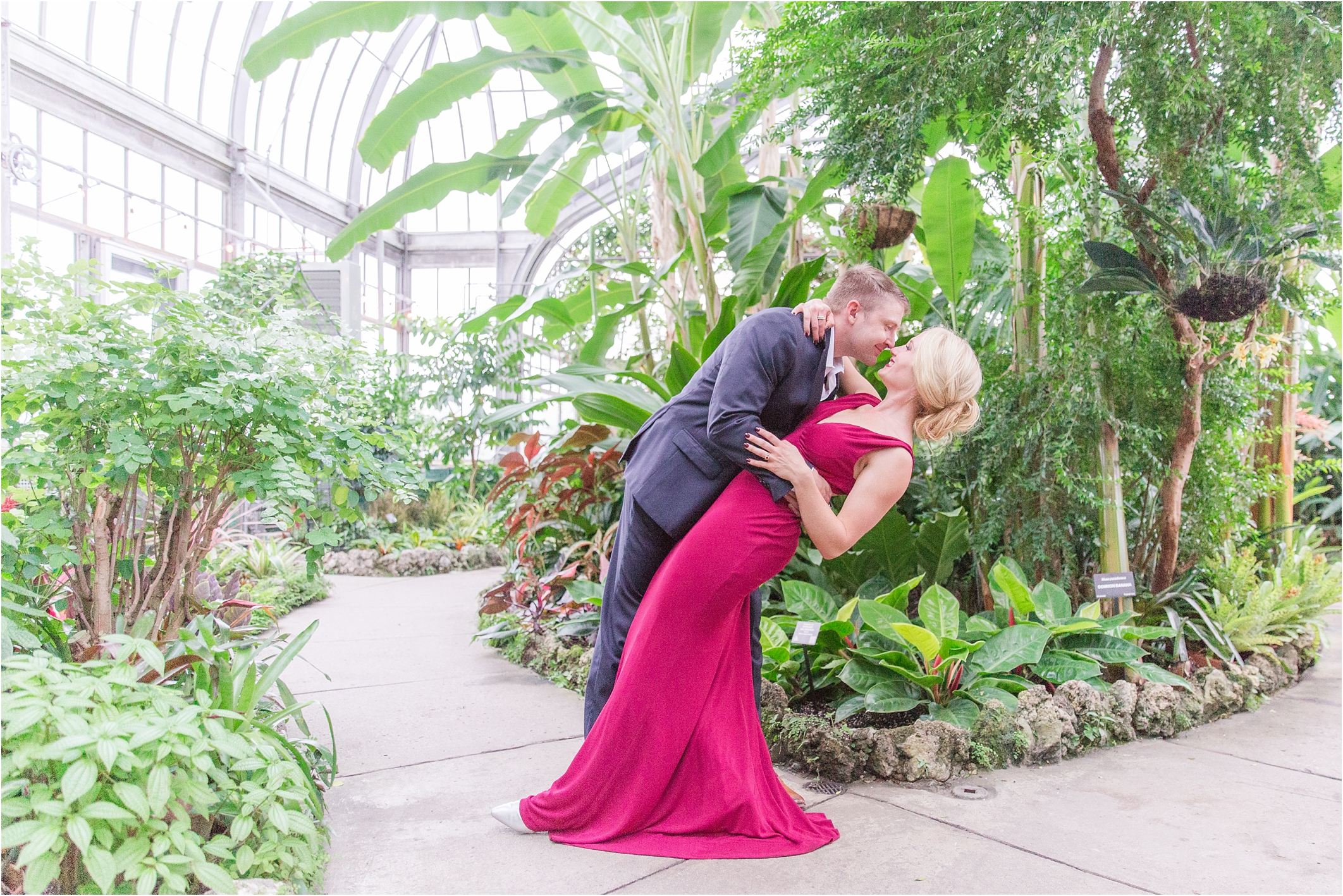 elegant-classic-belle-isle-conservatory-engagement-photos-in-detroit-mi-by-courtney-carolyn-photography_0020.jpg