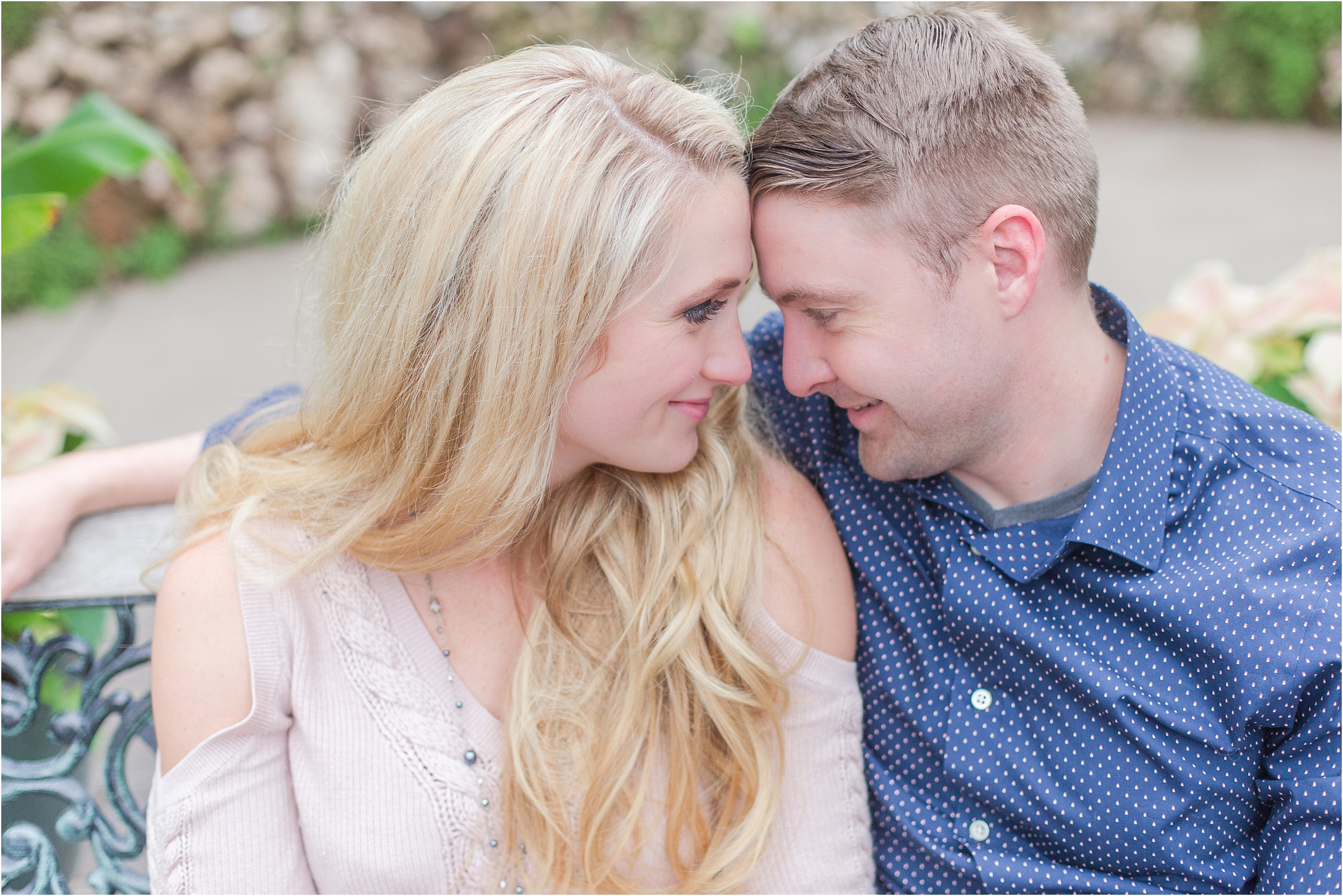 elegant-classic-belle-isle-conservatory-engagement-photos-in-detroit-mi-by-courtney-carolyn-photography_0028.jpg