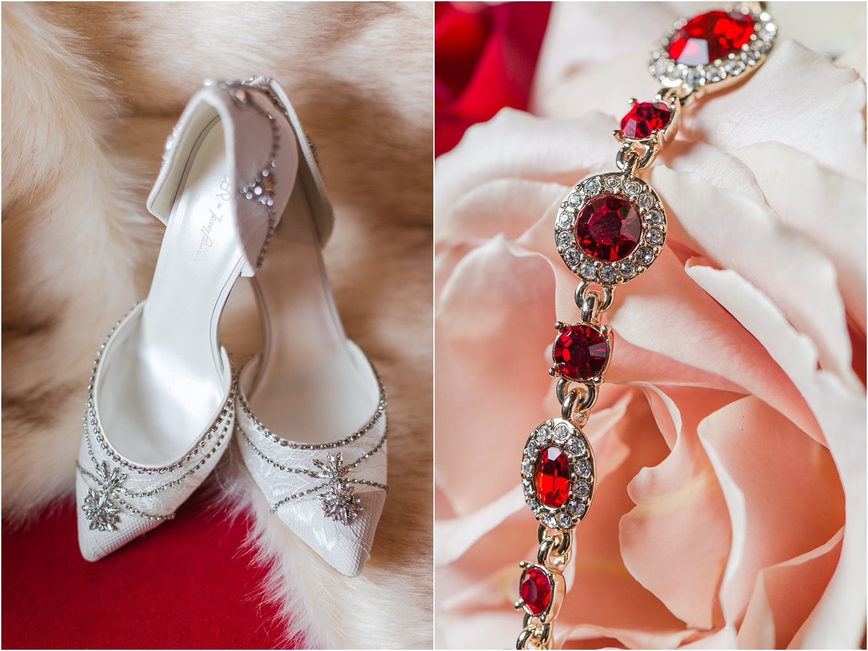 elegant-classic-fairytale-wedding-photos-in-detroit-mi-at-the-masonic-temple-by-courtney-carolyn-photography_0003.jpg