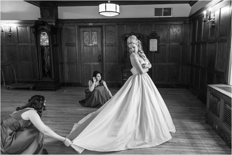 elegant-classic-fairytale-wedding-photos-in-detroit-mi-at-the-masonic-temple-by-courtney-carolyn-photography_0017.jpg