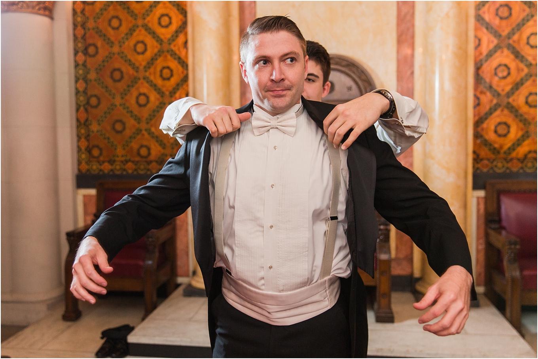 elegant-classic-fairytale-wedding-photos-in-detroit-mi-at-the-masonic-temple-by-courtney-carolyn-photography_0018.jpg