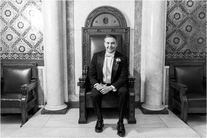 elegant-classic-fairytale-wedding-photos-in-detroit-mi-at-the-masonic-temple-by-courtney-carolyn-photography_0024.jpg
