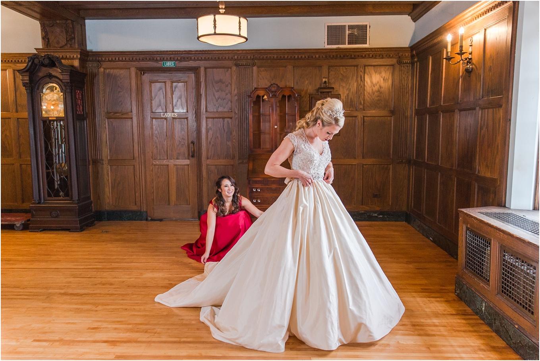 elegant-classic-fairytale-wedding-photos-in-detroit-mi-at-the-masonic-temple-by-courtney-carolyn-photography_0027.jpg