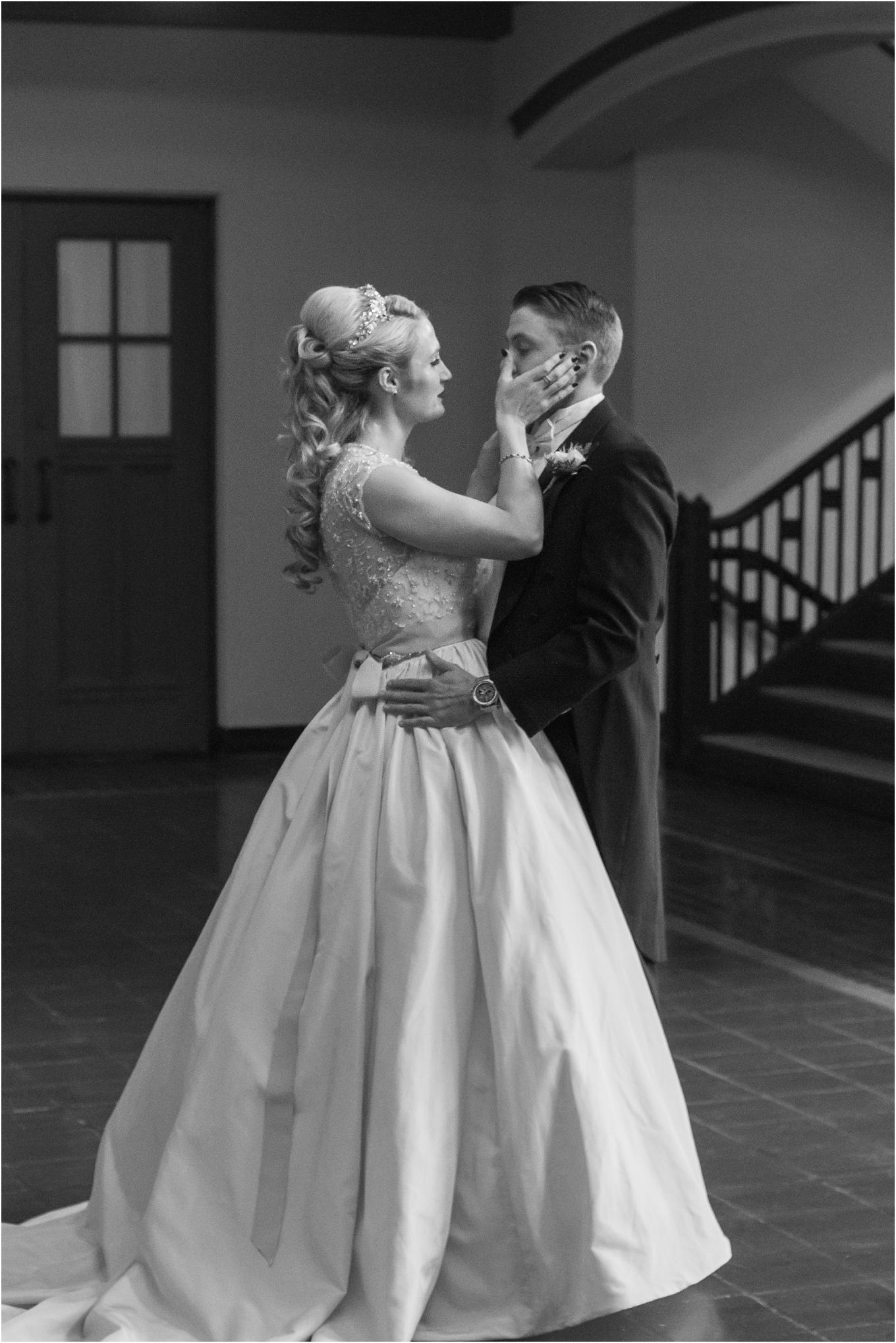 elegant-classic-fairytale-wedding-photos-in-detroit-mi-at-the-masonic-temple-by-courtney-carolyn-photography_0047.jpg