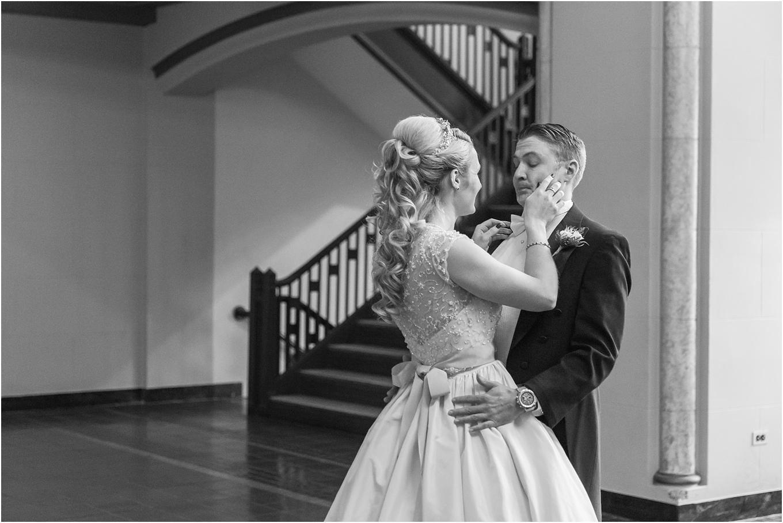 elegant-classic-fairytale-wedding-photos-in-detroit-mi-at-the-masonic-temple-by-courtney-carolyn-photography_0049.jpg