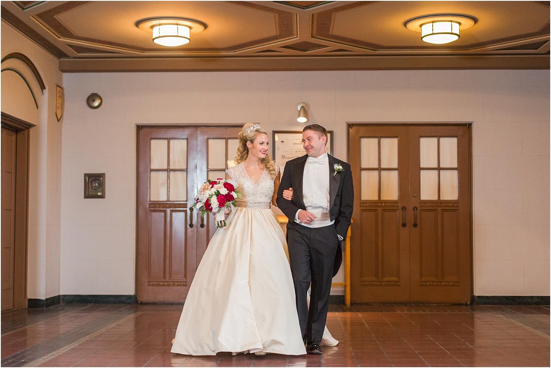 elegant-classic-fairytale-wedding-photos-in-detroit-mi-at-the-masonic-temple-by-courtney-carolyn-photography_0050.jpg