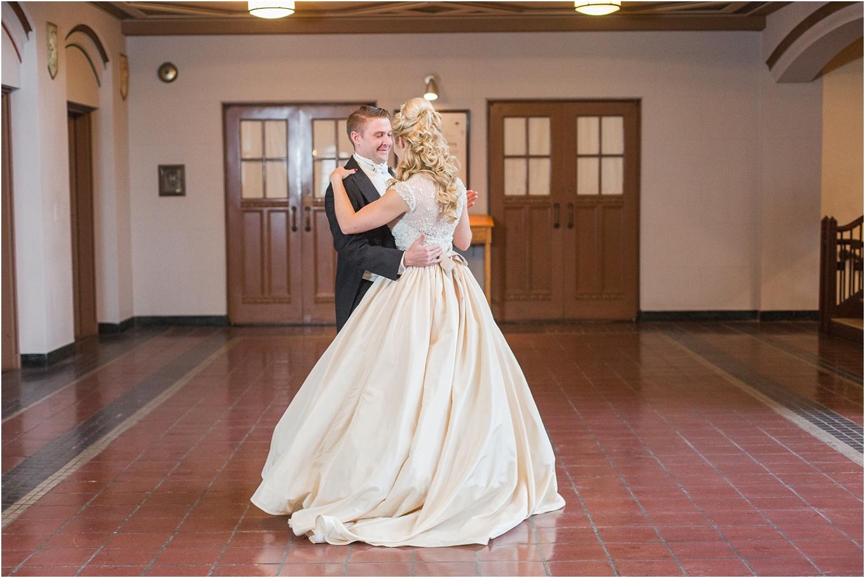 elegant-classic-fairytale-wedding-photos-in-detroit-mi-at-the-masonic-temple-by-courtney-carolyn-photography_0052.jpg