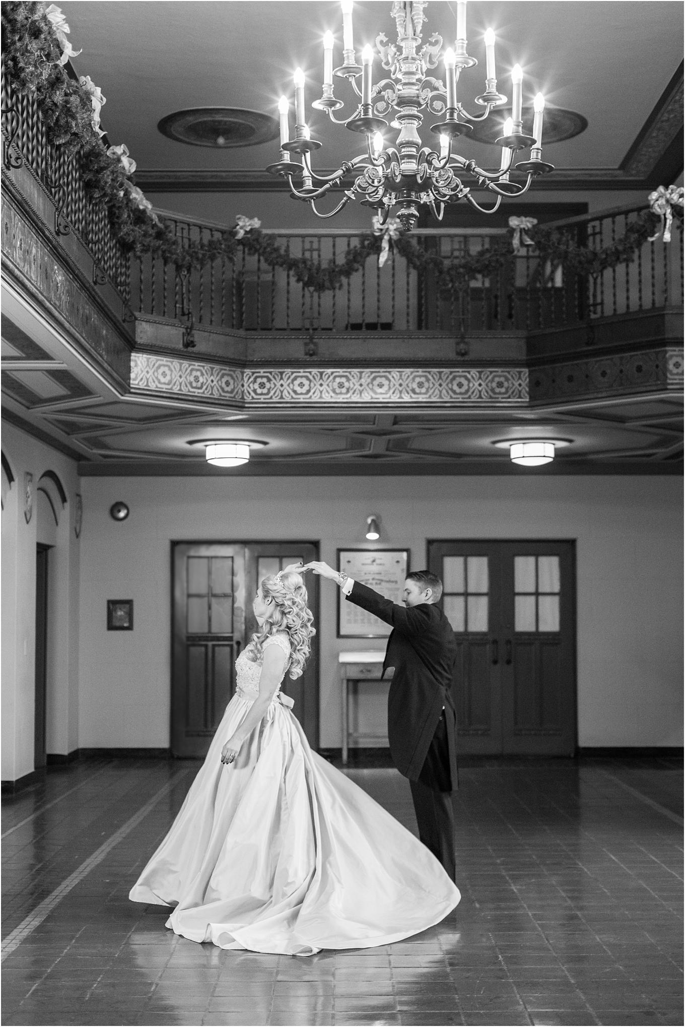 elegant-classic-fairytale-wedding-photos-in-detroit-mi-at-the-masonic-temple-by-courtney-carolyn-photography_0060.jpg