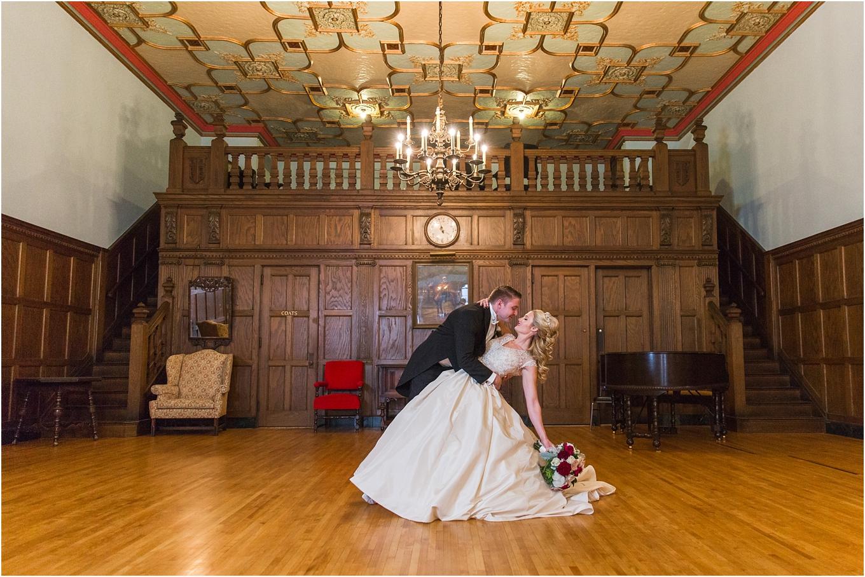 elegant-classic-fairytale-wedding-photos-in-detroit-mi-at-the-masonic-temple-by-courtney-carolyn-photography_0074.jpg