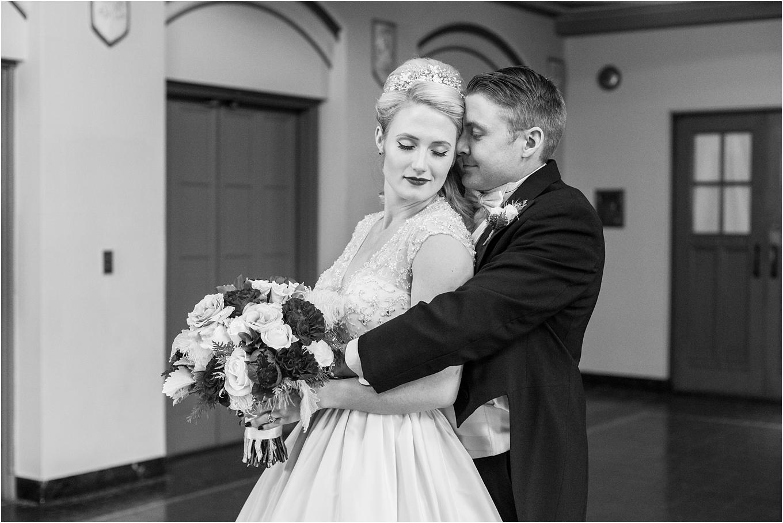 elegant-classic-fairytale-wedding-photos-in-detroit-mi-at-the-masonic-temple-by-courtney-carolyn-photography_0083.jpg