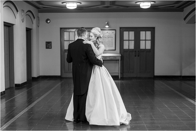elegant-classic-fairytale-wedding-photos-in-detroit-mi-at-the-masonic-temple-by-courtney-carolyn-photography_0087.jpg