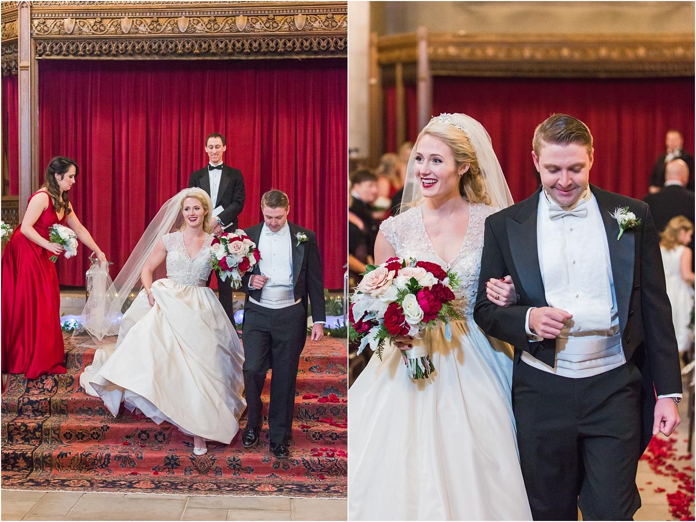 elegant-classic-fairytale-wedding-photos-in-detroit-mi-at-the-masonic-temple-by-courtney-carolyn-photography_0109.jpg