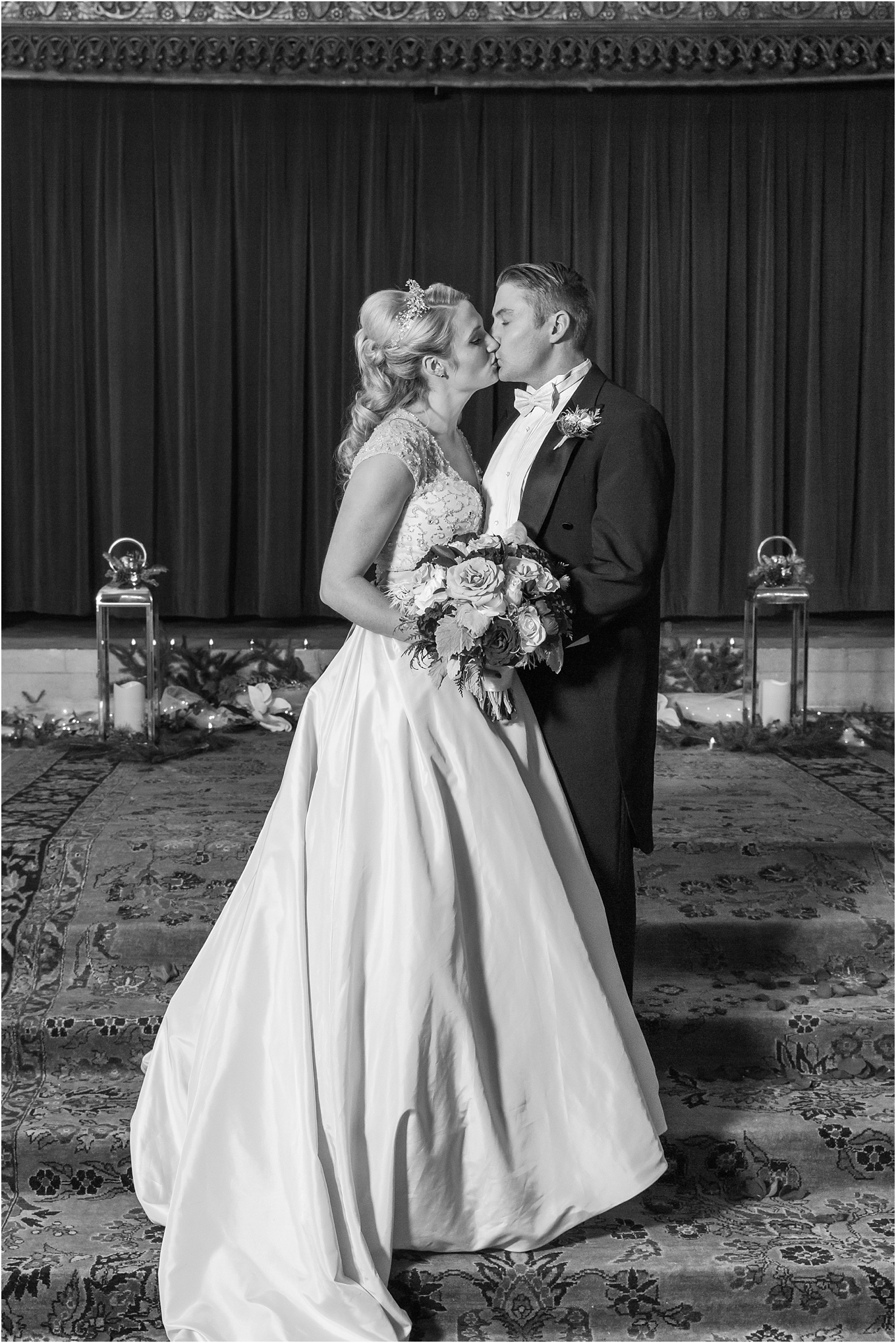 elegant-classic-fairytale-wedding-photos-in-detroit-mi-at-the-masonic-temple-by-courtney-carolyn-photography_0115.jpg