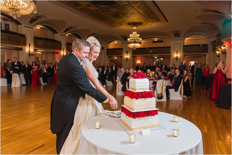 elegant-classic-fairytale-wedding-photos-in-detroit-mi-at-the-masonic-temple-by-courtney-carolyn-photography_0123.jpg