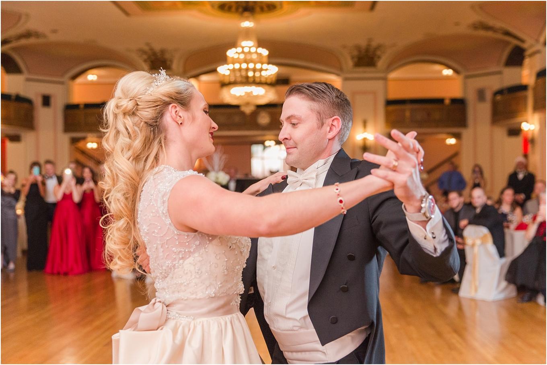 elegant-classic-fairytale-wedding-photos-in-detroit-mi-at-the-masonic-temple-by-courtney-carolyn-photography_0125.jpg