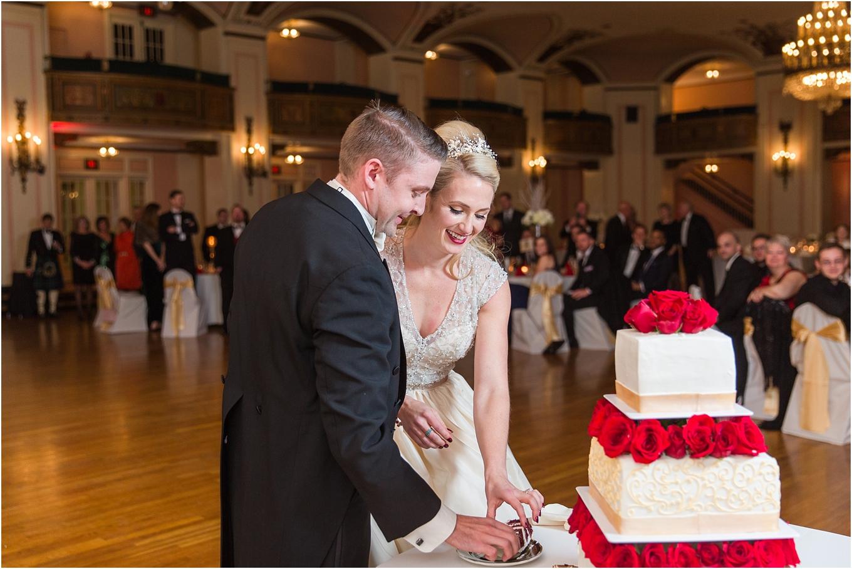 elegant-classic-fairytale-wedding-photos-in-detroit-mi-at-the-masonic-temple-by-courtney-carolyn-photography_0127.jpg