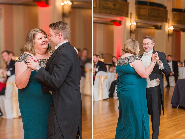 elegant-classic-fairytale-wedding-photos-in-detroit-mi-at-the-masonic-temple-by-courtney-carolyn-photography_0139.jpg