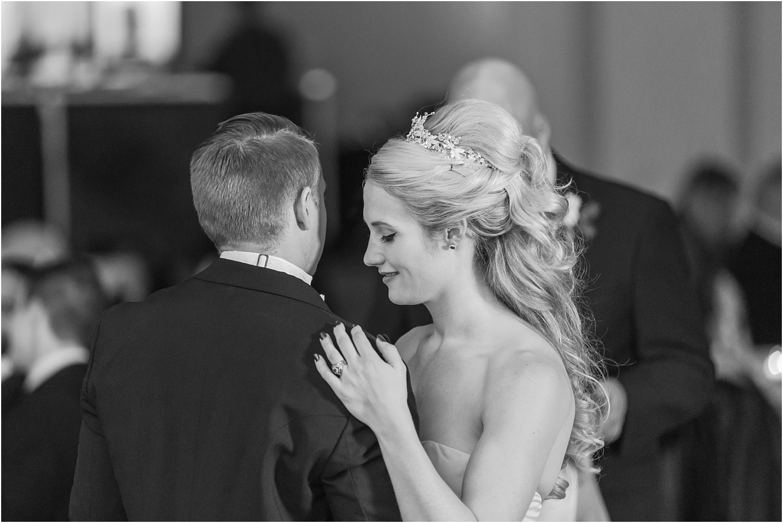 elegant-classic-fairytale-wedding-photos-in-detroit-mi-at-the-masonic-temple-by-courtney-carolyn-photography_0147.jpg