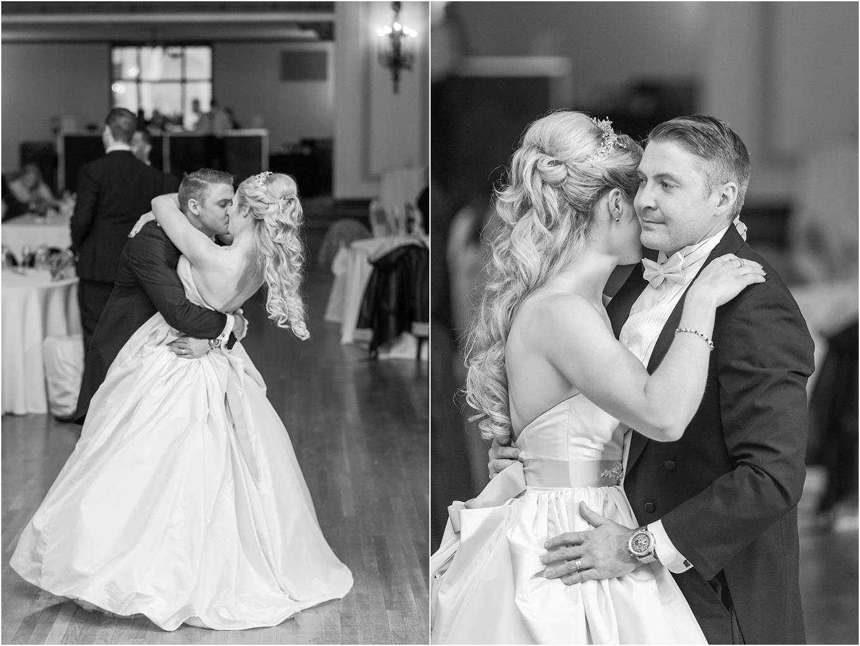 elegant-classic-fairytale-wedding-photos-in-detroit-mi-at-the-masonic-temple-by-courtney-carolyn-photography_0148.jpg