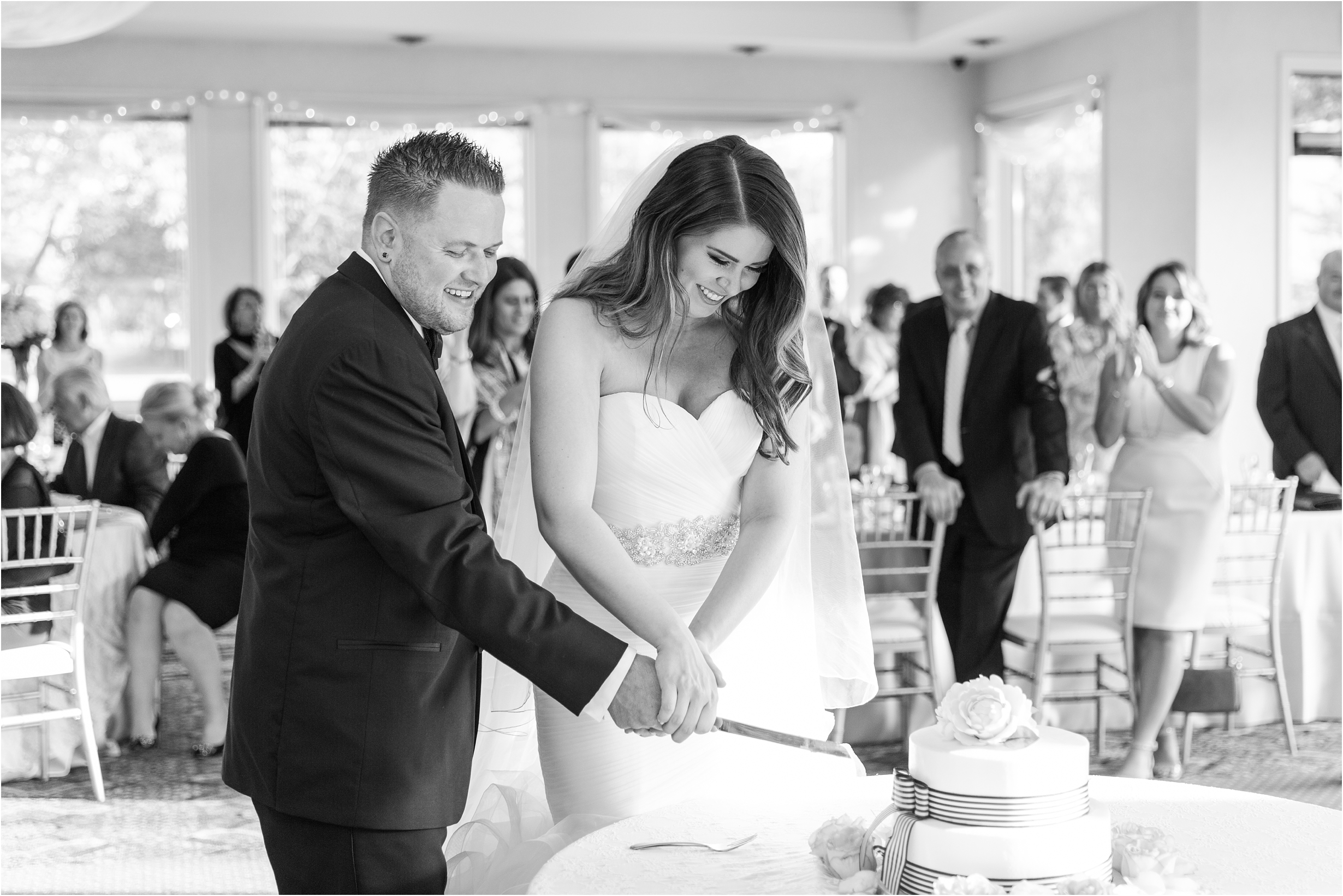 best-of-2016-wedding-photos-with-courtney-carolyn-photography-romantic-timeless-candid-wedding-photographer-in-detroit-mi_0021.jpg
