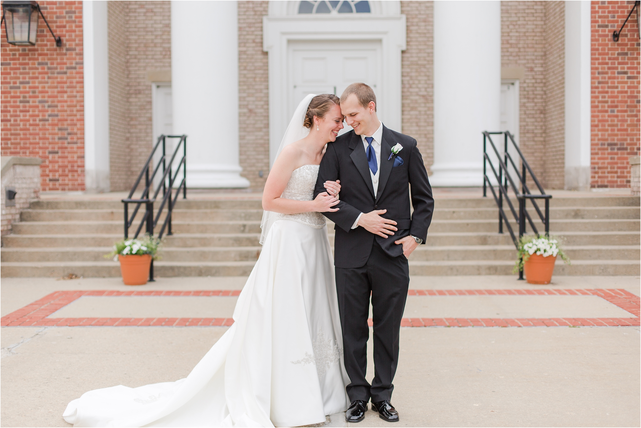 best-of-2016-wedding-photos-with-courtney-carolyn-photography-romantic-timeless-candid-wedding-photographer-in-detroit-mi_0125.jpg
