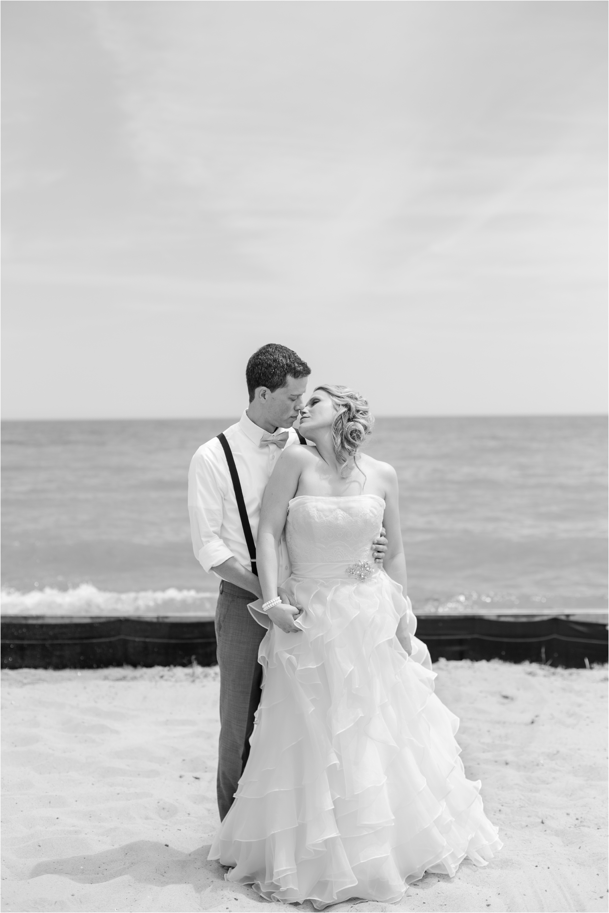 best-of-2016-wedding-photos-with-courtney-carolyn-photography-romantic-timeless-candid-wedding-photographer-in-detroit-mi_0172.jpg