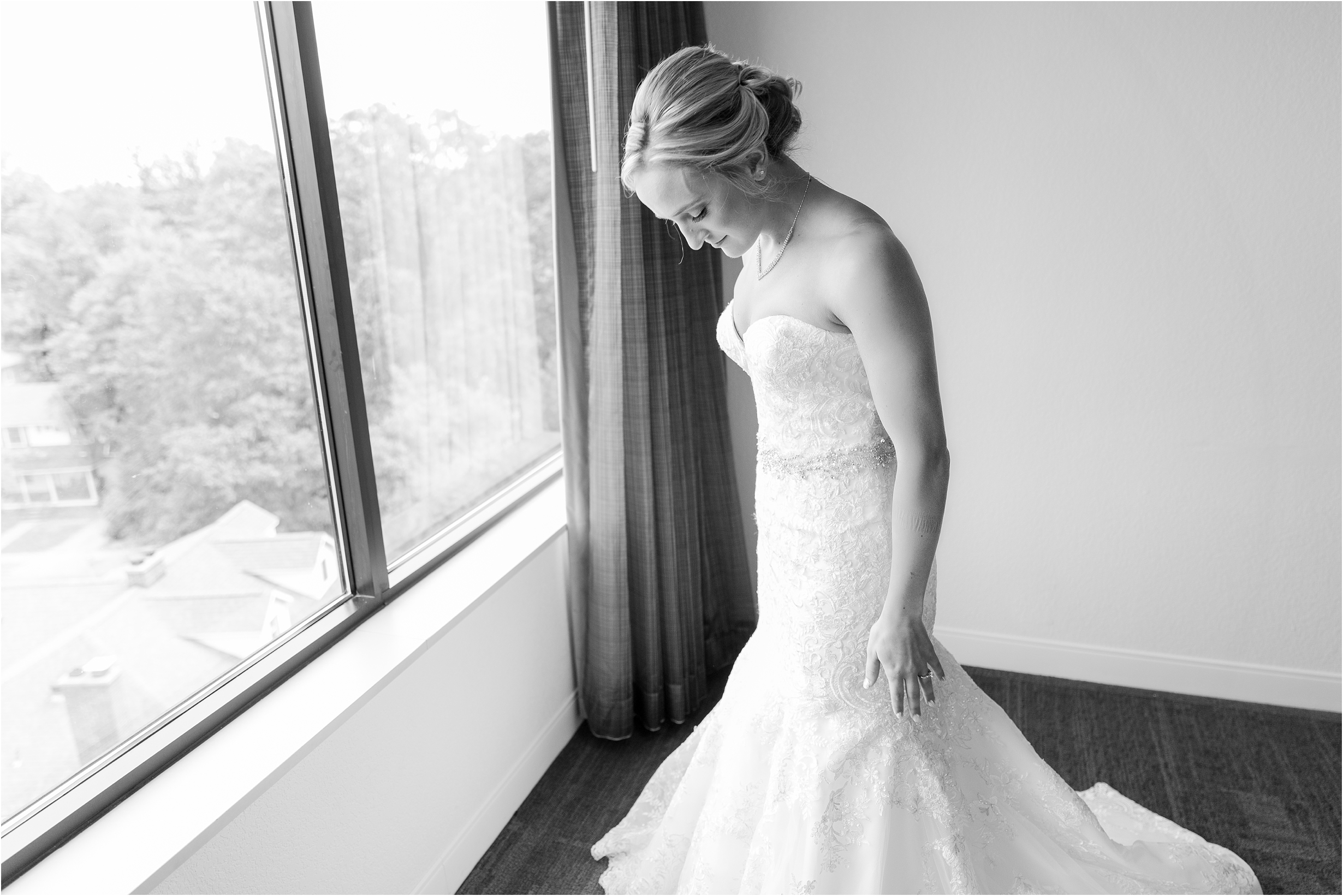 best-of-2016-wedding-photos-with-courtney-carolyn-photography-romantic-timeless-candid-wedding-photographer-in-detroit-mi_0090.jpg